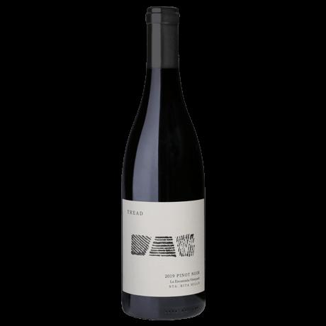 2019-LEV-Pinot-Noir-Bottle-Shot